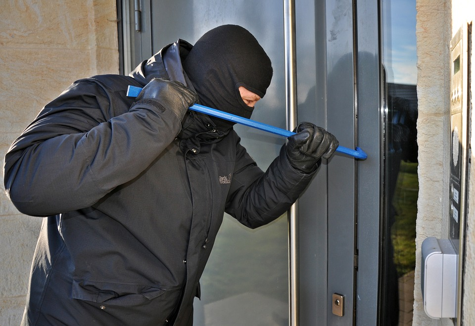 5 Tips Professional Burglars Don't Want You to Know