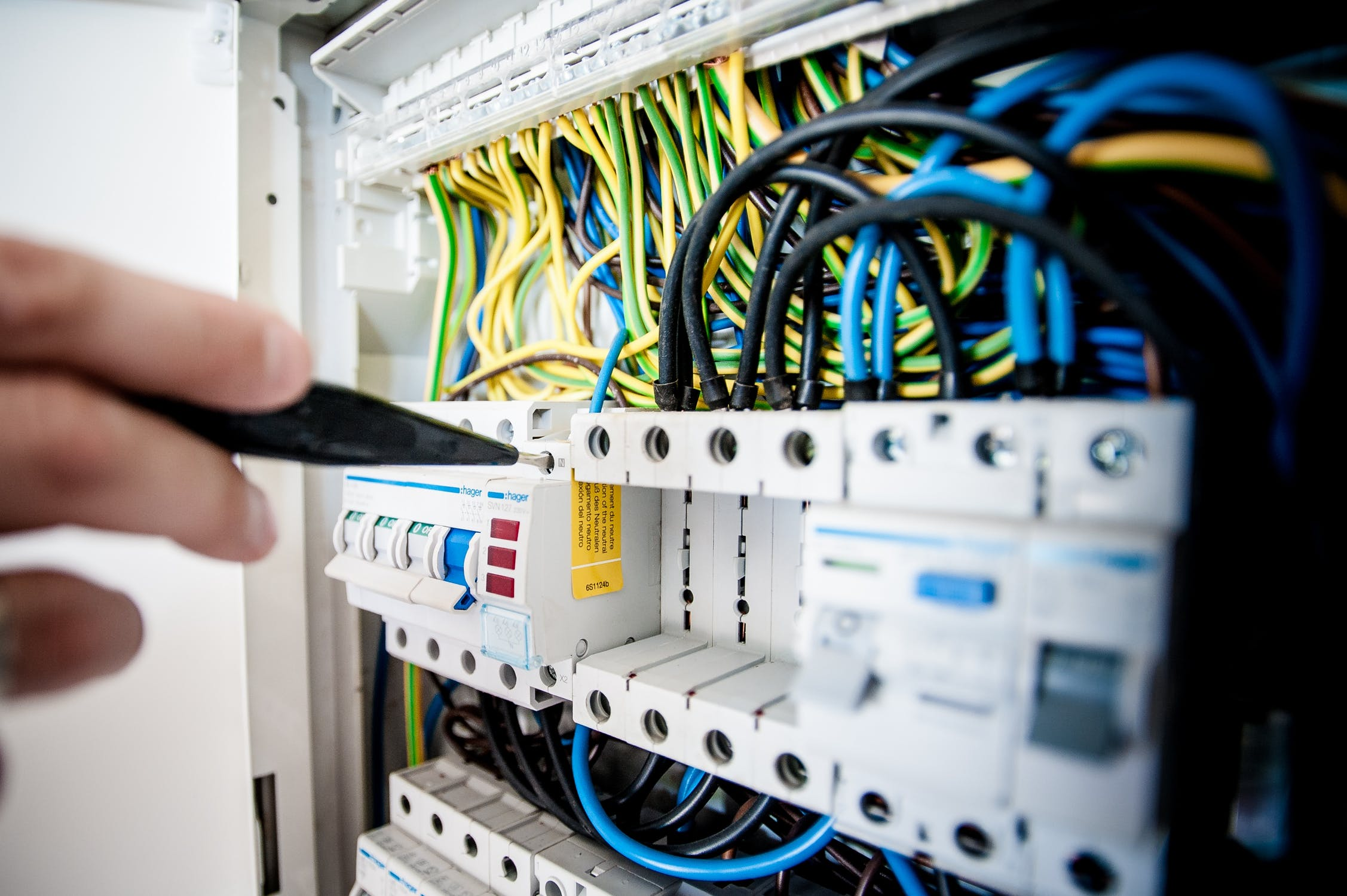 Choosing The Right Local Whittier Electrician